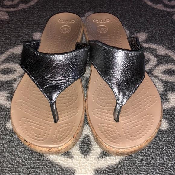 928015a54de607 Crocs A Leigh Silver Metallic Leather Sandals 8